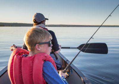 Moniteur guide de pêche de loisirs