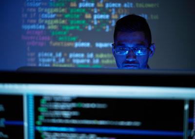 Programmeur (d'applications, logiciel de base informatique)