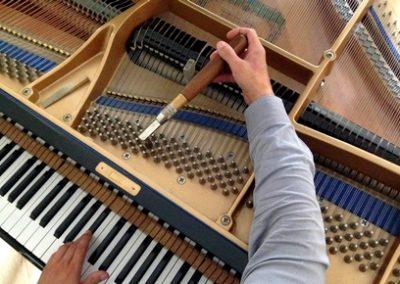 Accordeur de pianos