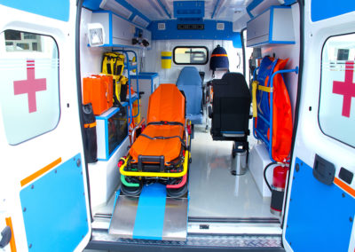 Ambulancier, Ambulancier (urgentiste, Ambulancier hospitalier, Auxiliaire ambulancier)