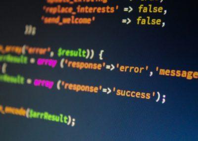 Analyste-programmeur (d'étude informatique, en informatique industrielle)