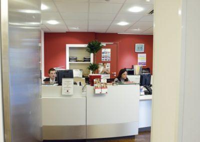 Guichetier (accueil banque, de banque, de la banque postale, payeur, vendeur)