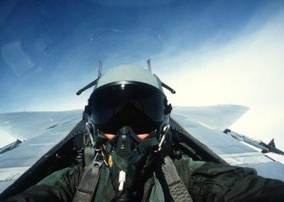 Pilote (de chasse, transport, hélicoptère de l'armée)