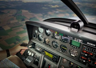 Pilote (d'avion, de ligne aérienne, d'essais aéronautiques)