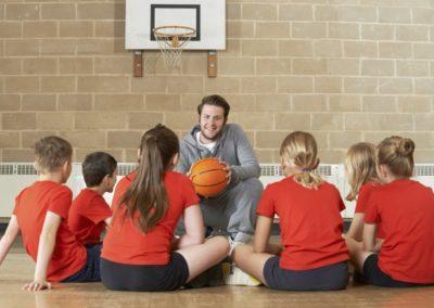 Professeur d'éducation (culturelle, musicale, physique et sportive -EPS-)