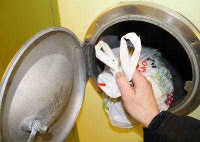 Nettoyeur de vide-ordures