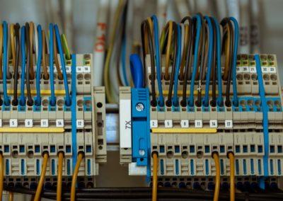 Electricien, Electromécanicien de maintenance en automatisme